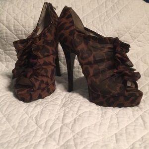 Chinese laundry leopard print heel